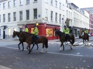 Ratsapolitsei Londoni tänaval