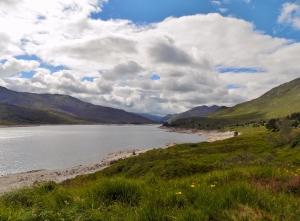Loch Cluanie ääres